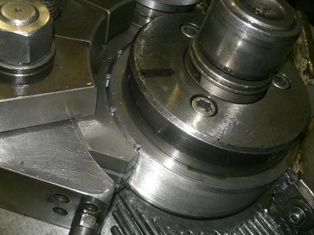 Körmángorló gép (1200db/perc)